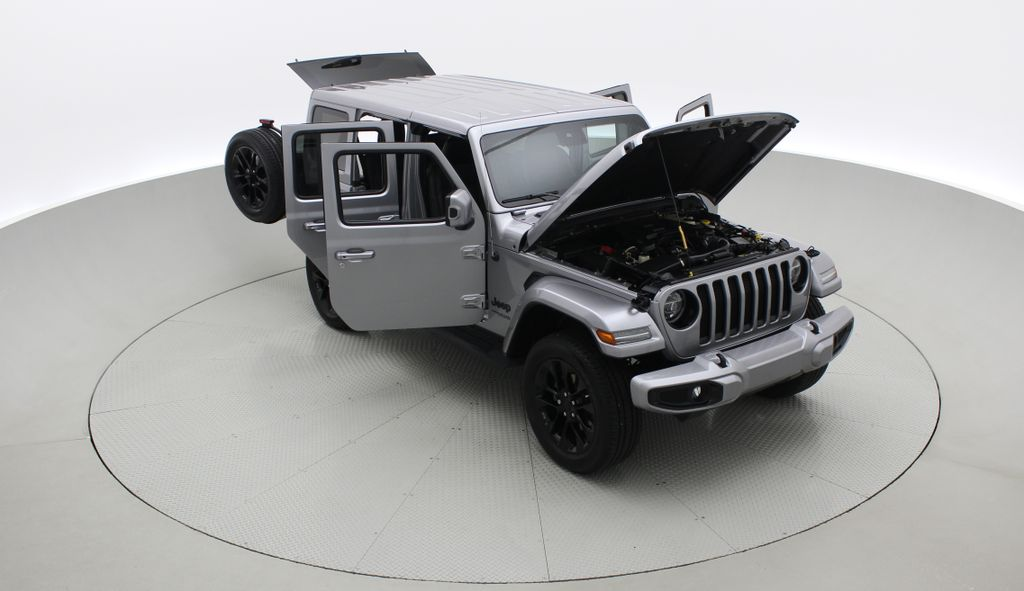 Silver[Billet Silver Metallic] 2021 Jeep Wrangler Unlimited High Altitude - RARE Gas/Electric Hybrid Left Front Corner Photo in Winnipeg MB