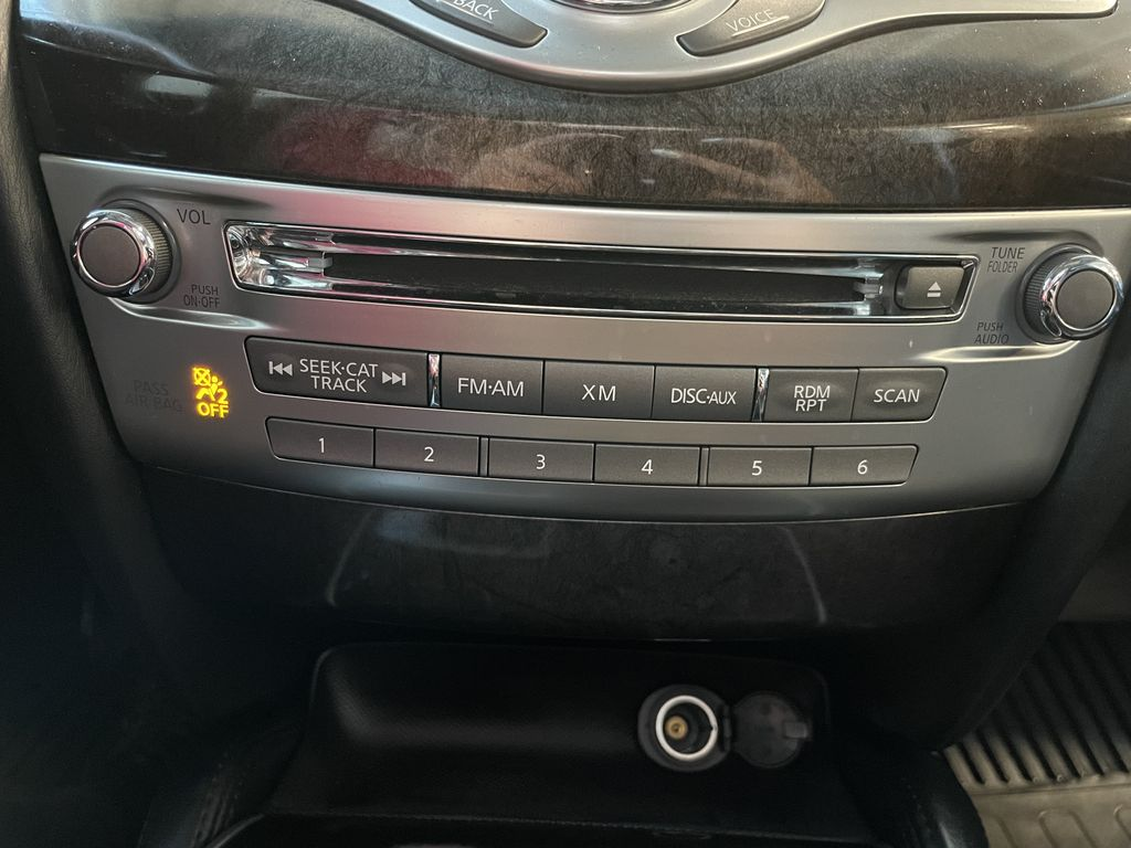 Gray 2015 INFINITI QX60 4DR AWD Left Front Rim and Tire Photo in Edmonton AB