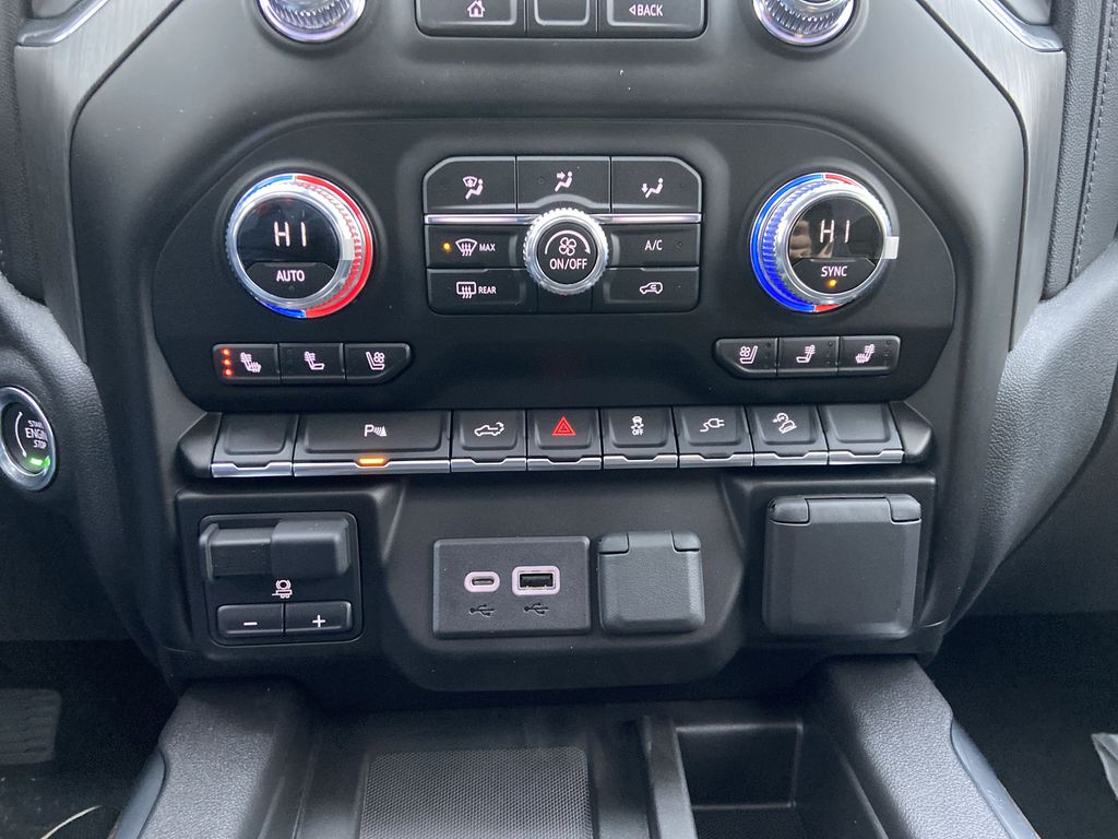 Black[Onyx Black] 2021 GMC Sierra 1500 Denali Central Dash Options Photo in Calgary AB