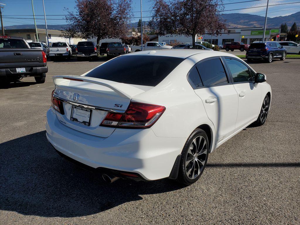 White[Taffeta White] 2013 Honda Civic SI Sedan Right Rear Corner Photo in Kelowna BC