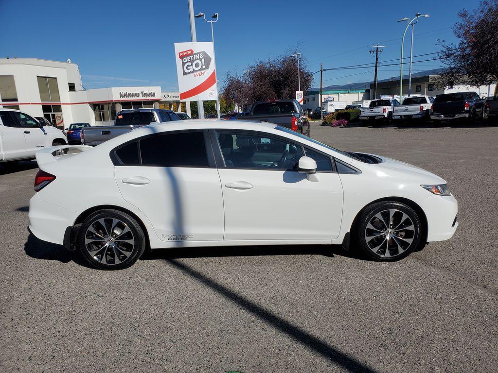 White[Taffeta White] 2013 Honda Civic SI Sedan Right Side Photo in Kelowna BC