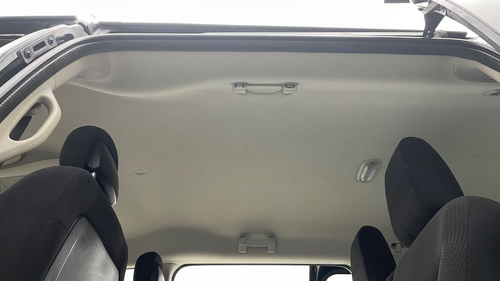 Black[Brilliant Black Crystal Pearlcoat] 2014 Dodge Grand Caravan SE - 7 Passenger, Roof Rails, LOW KMs Headliner / Equipment Photo in Winnipeg MB