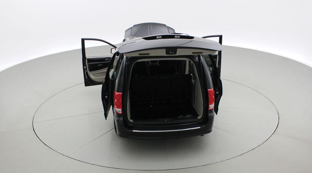 Black[Brilliant Black Crystal Pearlcoat] 2014 Dodge Grand Caravan SE - 7 Passenger, Roof Rails, LOW KMs Rear of Vehicle Photo in Winnipeg MB