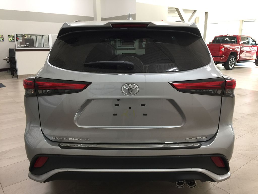Silver[Celestial Silver Metallic] 2021 Toyota Highlander XSE Rear of Vehicle Photo in Sherwood Park AB