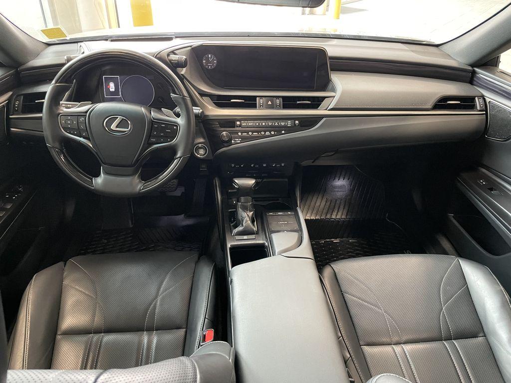 Silver 2019 Lexus ES ES 350 PREMIUM Third Row Seat or Additional  Photo in Edmonton AB