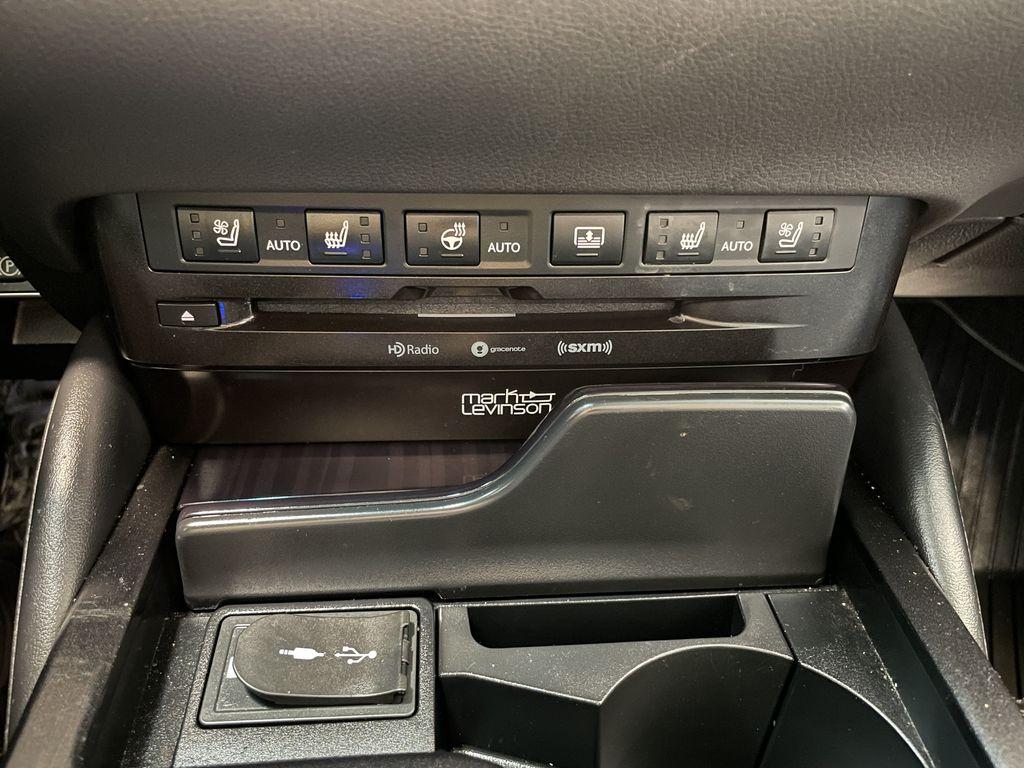 Silver 2019 Lexus ES ES 350 PREMIUM Right Rear Side Body Line Photo in Edmonton AB