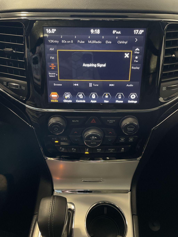 White[Bright White] 2019 Jeep Grand Cherokee Radio Controls Closeup Photo in Belleville ON