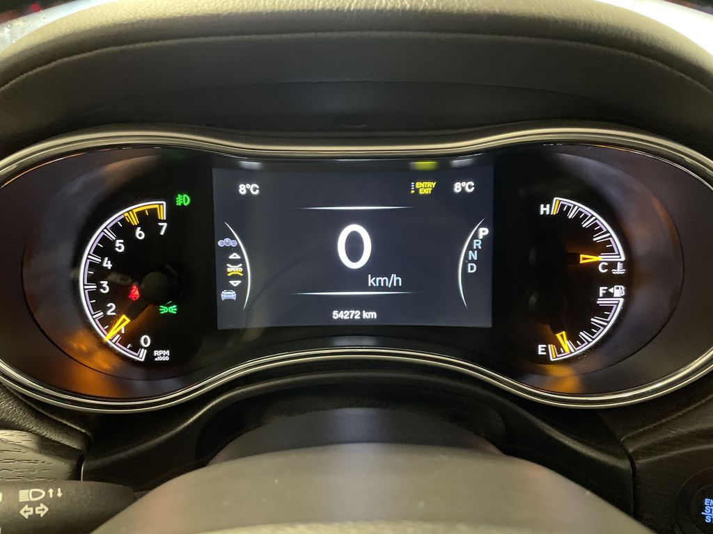 White[Bright White] 2019 Jeep Grand Cherokee Steering Wheel and Dash Photo in Belleville ON