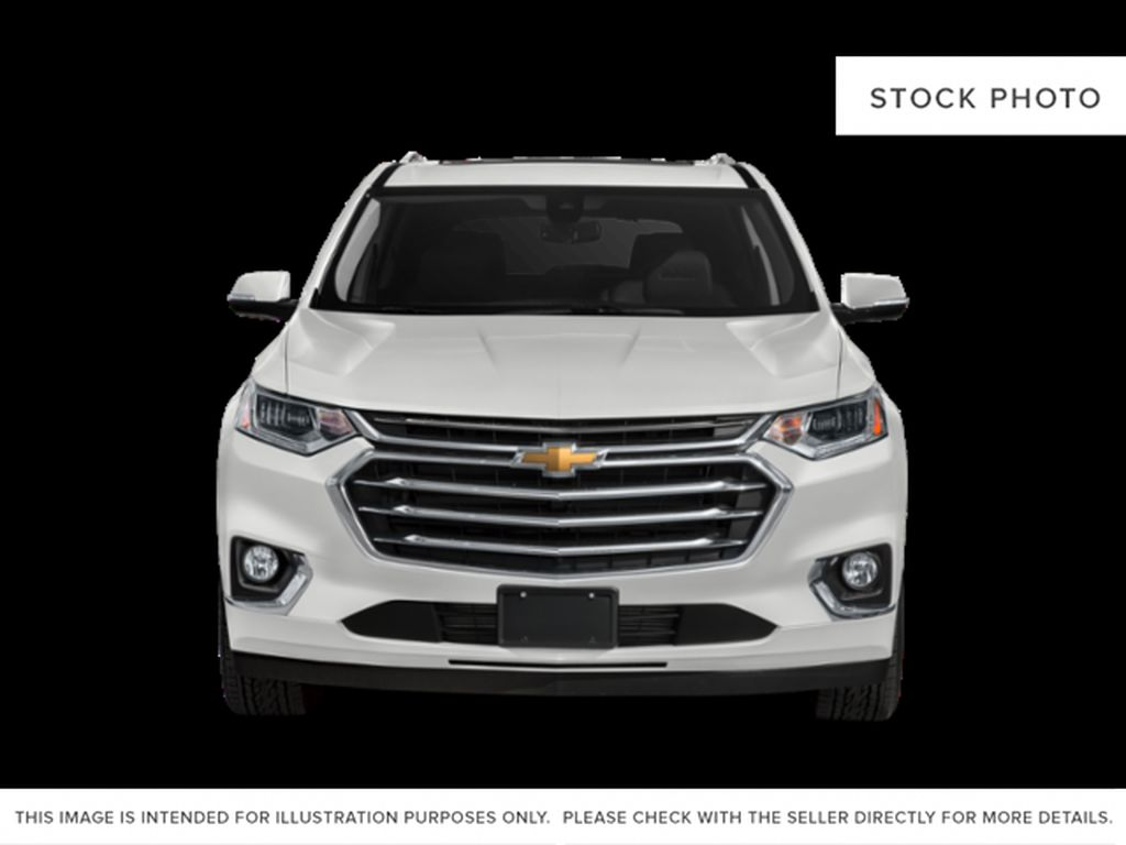 White[Iridescent Pearl Tricoat] 2018 Chevrolet Traverse Front Vehicle Photo in Fort Macleod AB