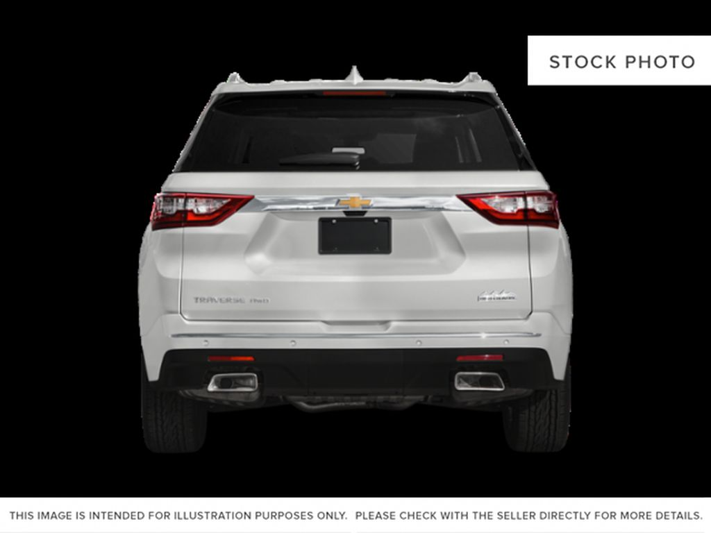 White[Iridescent Pearl Tricoat] 2018 Chevrolet Traverse Rear of Vehicle Photo in Fort Macleod AB