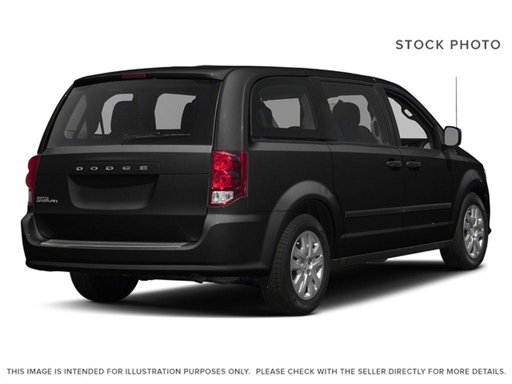 Black[Brilliant Black Crystal Pearl] 2018 Dodge Grand Caravan Right Rear Corner Photo in Fort Macleod AB