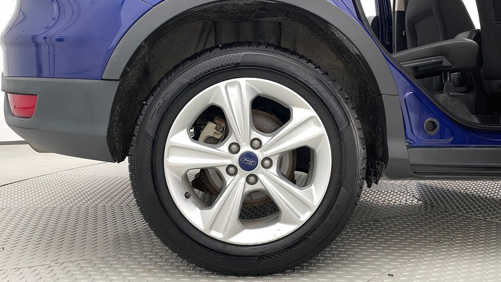 Blue[Deep Impact Blue] 2013 Ford Escape SE 4WD Right Rear Rim and Tire Photo in Winnipeg MB