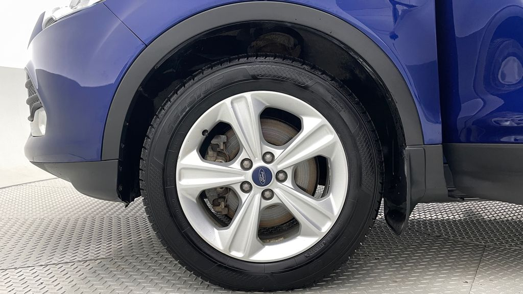 Blue[Deep Impact Blue] 2013 Ford Escape SE 4WD Left Front Rim and Tire Photo in Winnipeg MB