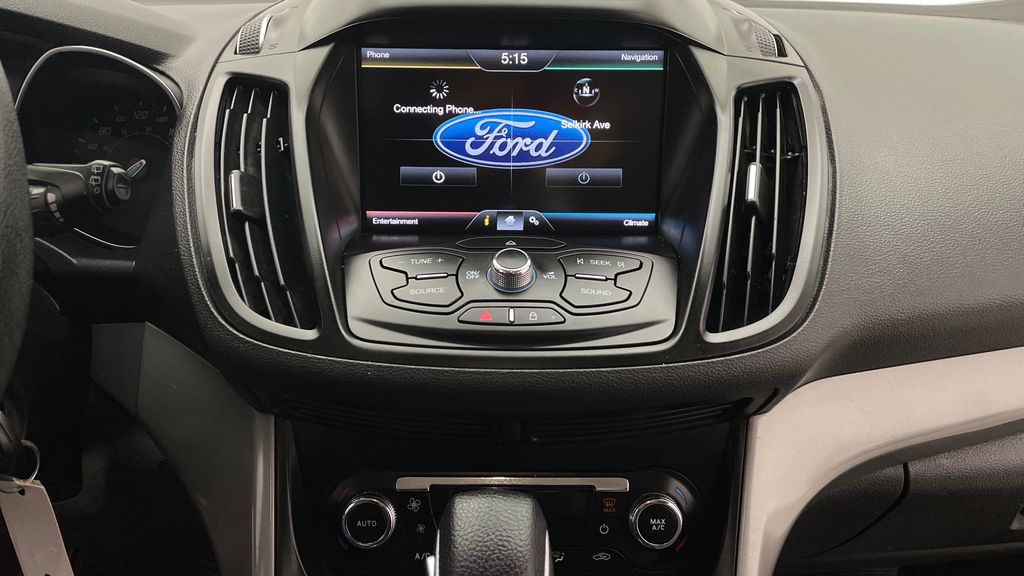 Blue[Deep Impact Blue] 2013 Ford Escape SE 4WD Additional Photo 2 in Winnipeg MB