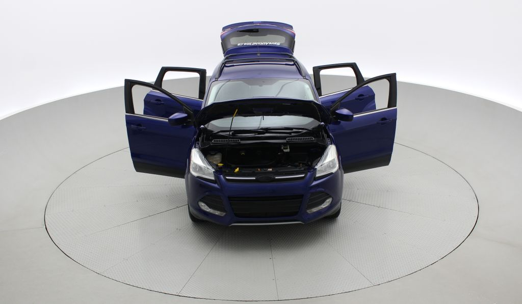 Blue[Deep Impact Blue] 2013 Ford Escape SE 4WD Front Vehicle Photo in Winnipeg MB