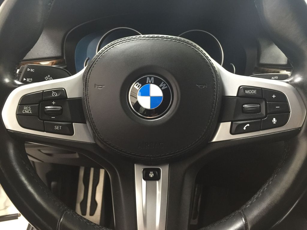 White[Alpine White] 2018 BMW 5 Series 530I XDRIVE Steering Wheel and Dash Photo in Sherwood Park AB