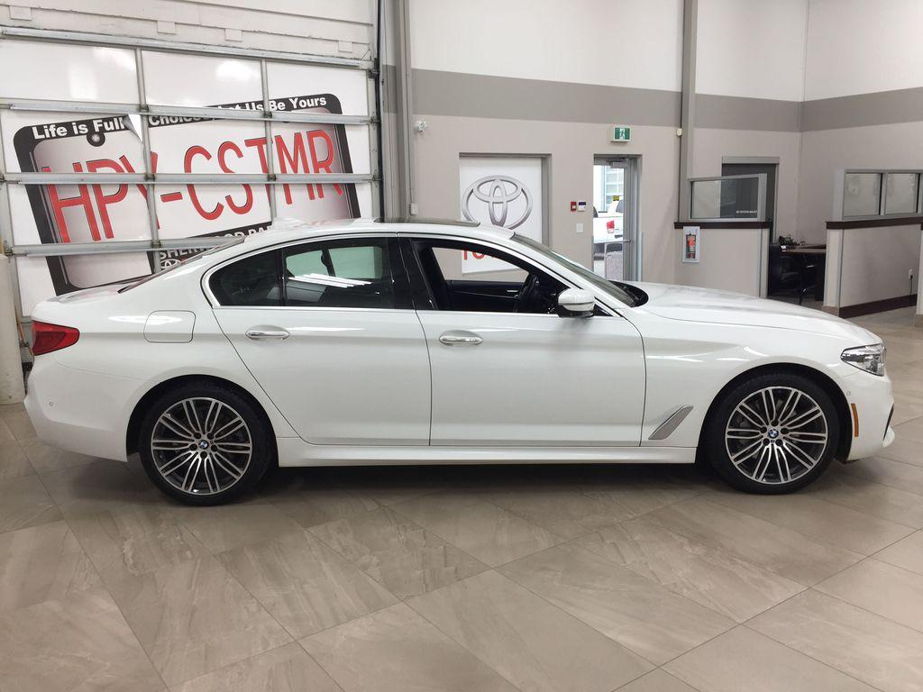 White[Alpine White] 2018 BMW 5 Series 530I XDRIVE Right Side Photo in Sherwood Park AB