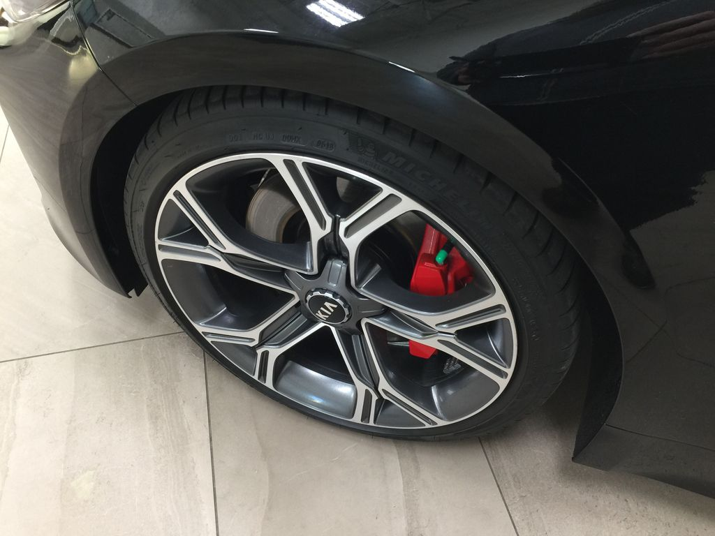 Black[Aurora Black] 2019 Kia Stinger GT2 / LEATHER ROOF Left Front Rim and Tire Photo in Sherwood Park AB