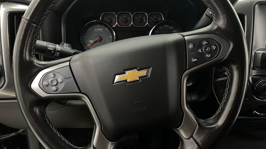 Green 2018 Chevrolet Silverado 1500 LT Z71 4WD - Custom Wrap, Crew, 5.3L Additional Photo 1 in Winnipeg MB
