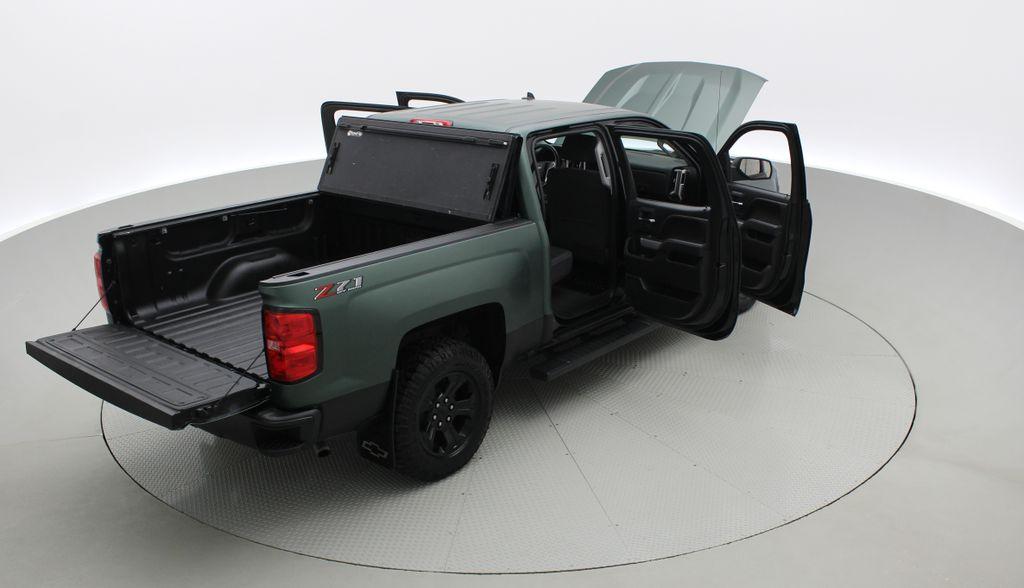 Green 2018 Chevrolet Silverado 1500 LT Z71 4WD - Custom Wrap, Crew, 5.3L Right  Rear Corner Photo in Winnipeg MB