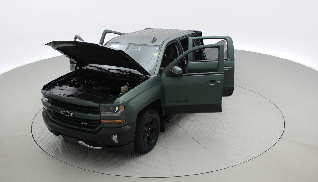 Green 2018 Chevrolet Silverado 1500 LT Z71 4WD - Custom Wrap, Crew, 5.3L Left Front Corner Photo in Winnipeg MB