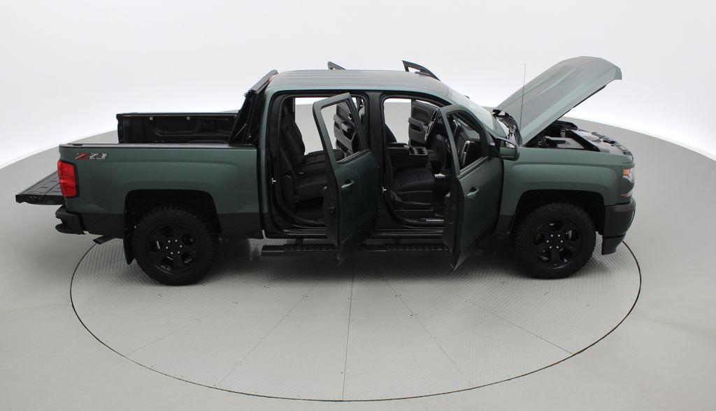 Green 2018 Chevrolet Silverado 1500 LT Z71 4WD - Custom Wrap, Crew, 5.3L Right Side Photo in Winnipeg MB