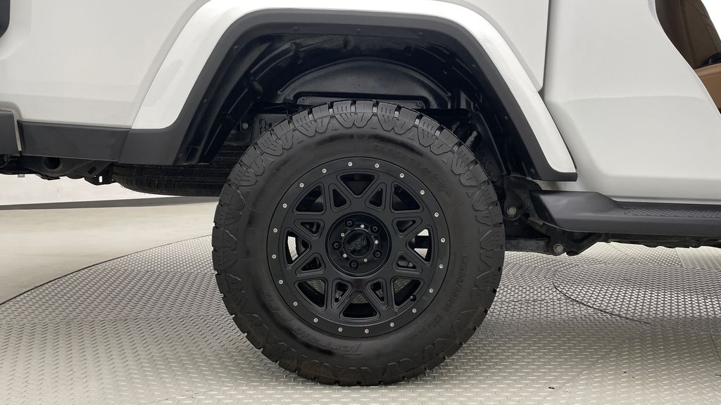 White[Bright White] 2020 Jeep Gladiator Overland 4WD - Navigation, Wheel & Tire Package Right Rear Rim and Tire Photo in Winnipeg MB