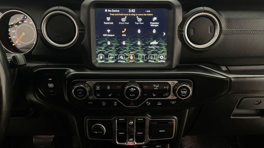 White[Bright White] 2020 Jeep Gladiator Overland 4WD - Navigation, Wheel & Tire Package Additional Photo 2 in Winnipeg MB