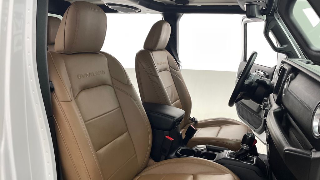 White[Bright White] 2020 Jeep Gladiator Overland 4WD - Navigation, Wheel & Tire Package Right Side Front Seat  Photo in Winnipeg MB