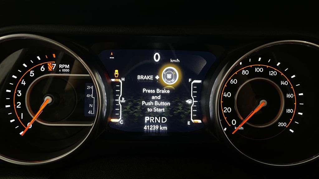 White[Bright White] 2020 Jeep Gladiator Overland 4WD - Navigation, Wheel & Tire Package Odometer Photo in Winnipeg MB