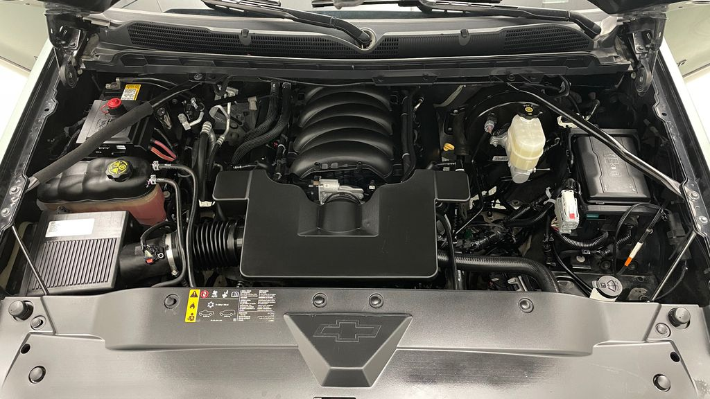 White[Bright White] 2020 Jeep Gladiator Overland 4WD - Navigation, Wheel & Tire Package Engine Compartment Photo in Winnipeg MB