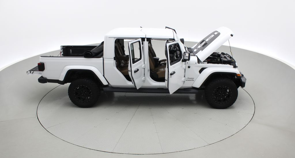 White[Bright White] 2020 Jeep Gladiator Overland 4WD - Navigation, Wheel & Tire Package Right Side Photo in Winnipeg MB