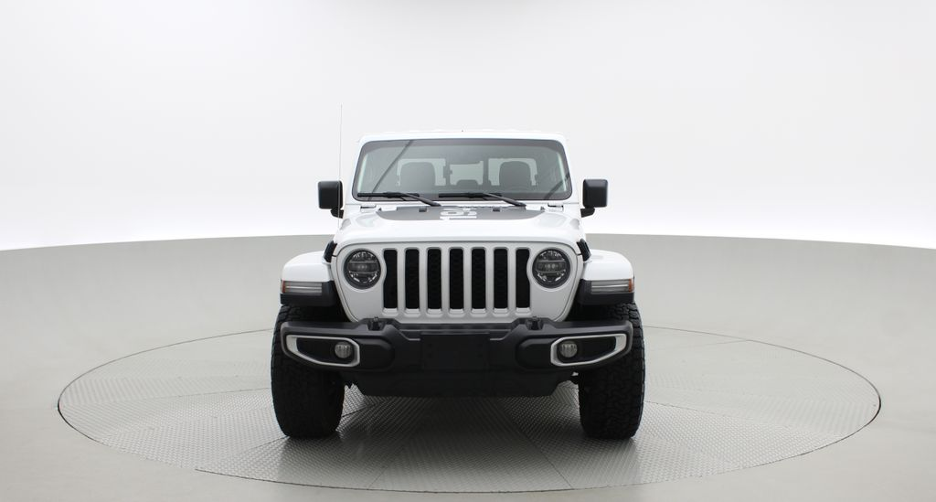 White[Bright White] 2020 Jeep Gladiator Overland 4WD - Navigation, Wheel & Tire Package Front Vehicle Photo in Winnipeg MB