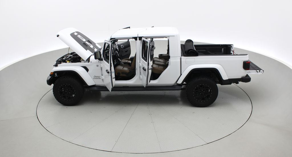 White[Bright White] 2020 Jeep Gladiator Overland 4WD - Navigation, Wheel & Tire Package Left Side Photo in Winnipeg MB