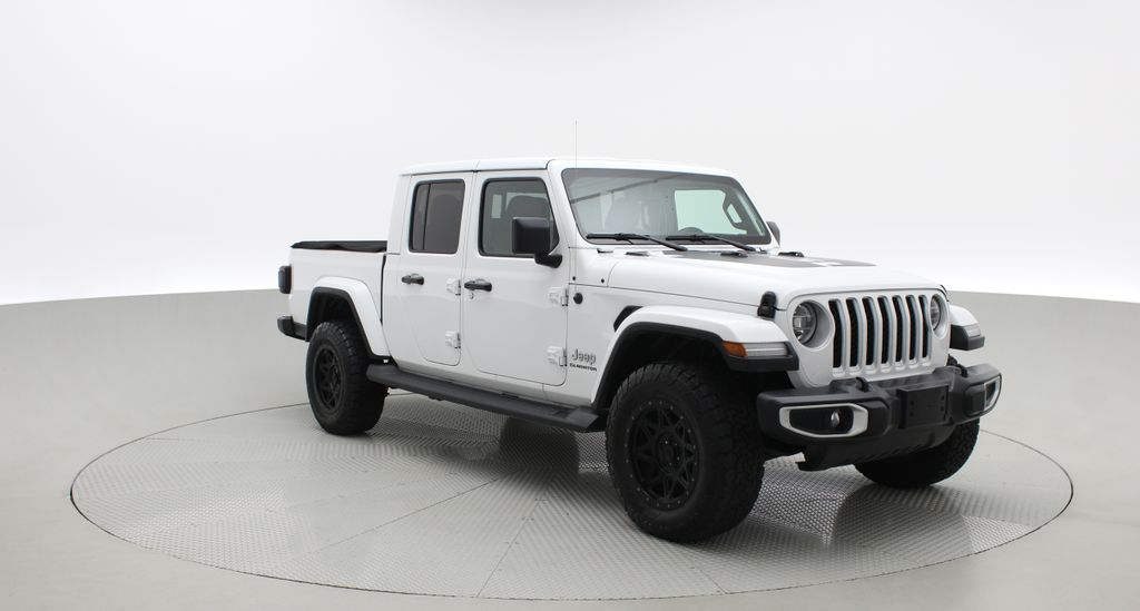 White[Bright White] 2020 Jeep Gladiator Overland 4WD - Navigation, Wheel & Tire Package Left Front Corner Photo in Winnipeg MB