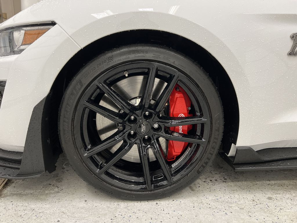White[Oxford White] 2020 Ford Mustang Left Front Rim and Tire Photo in Dartmouth NS
