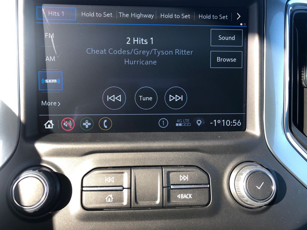 SATIN STEEL GREY METALLIC 2021 Chevrolet Silverado 1500 Radio Controls Closeup Photo in Edmonton AB