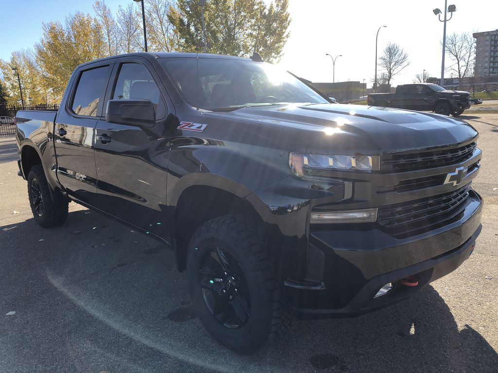 Black[Black] 2021 Chevrolet Silverado 1500 Right Front Corner Photo in Edmonton AB