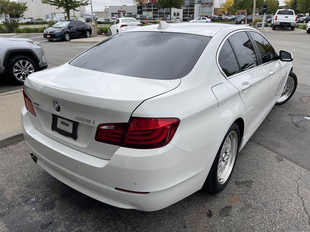 White[Alpine White] 2013 BMW 5 Series Sunroof Photo in Brampton ON