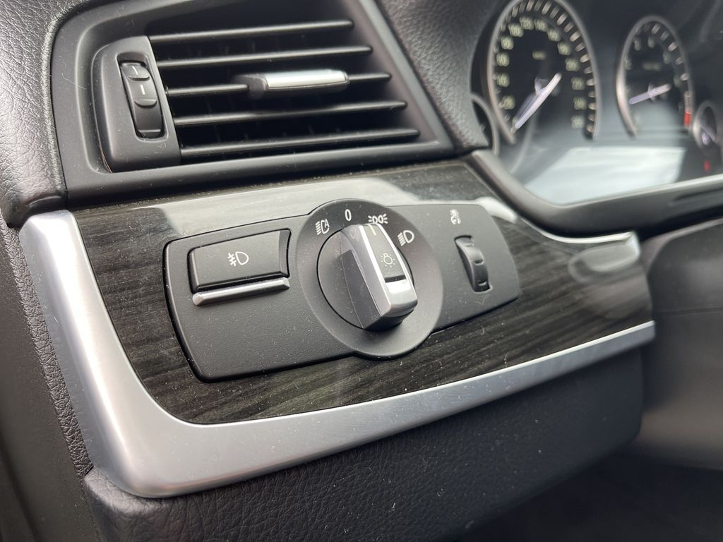 White[Alpine White] 2013 BMW 5 Series Left Side Rear Seat  Photo in Brampton ON