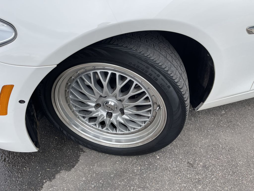 White[Alpine White] 2013 BMW 5 Series Left Front Corner Photo in Brampton ON