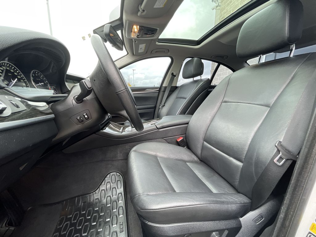 White[Alpine White] 2013 BMW 5 Series Left Rear Interior Door Panel Photo in Brampton ON