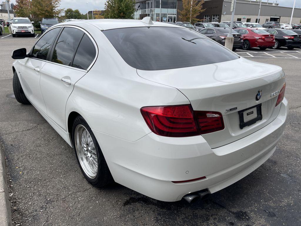 White[Alpine White] 2013 BMW 5 Series Left Front Interior Door Panel Photo in Brampton ON