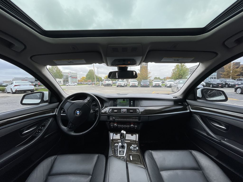 White[Alpine White] 2013 BMW 5 Series Central Dash Options Photo in Brampton ON