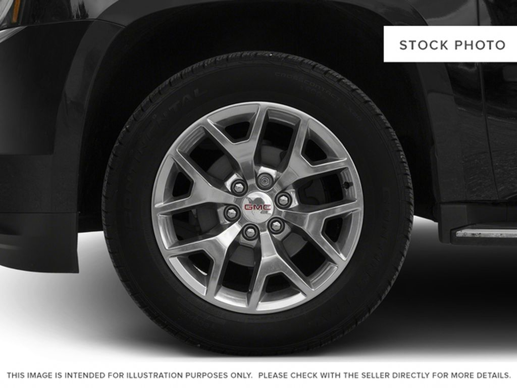 2017 GMC Yukon XL Left Front Rim and Tire Photo in Fort Macleod AB