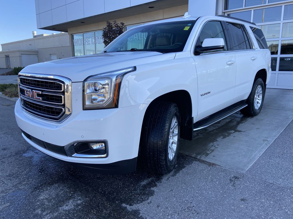 White[Summit White] 2017 GMC Yukon SLT Left Front Head Light / Bumper and Grill in Calgary AB