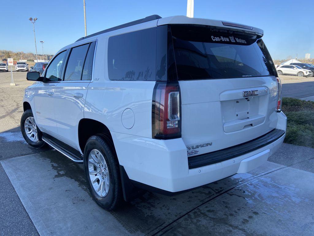White[Summit White] 2017 GMC Yukon SLT Left Rear Corner Photo in Calgary AB