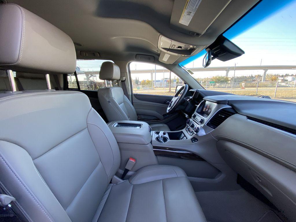 White[Summit White] 2017 GMC Yukon SLT Passenger Front Door Controls Photo in Calgary AB