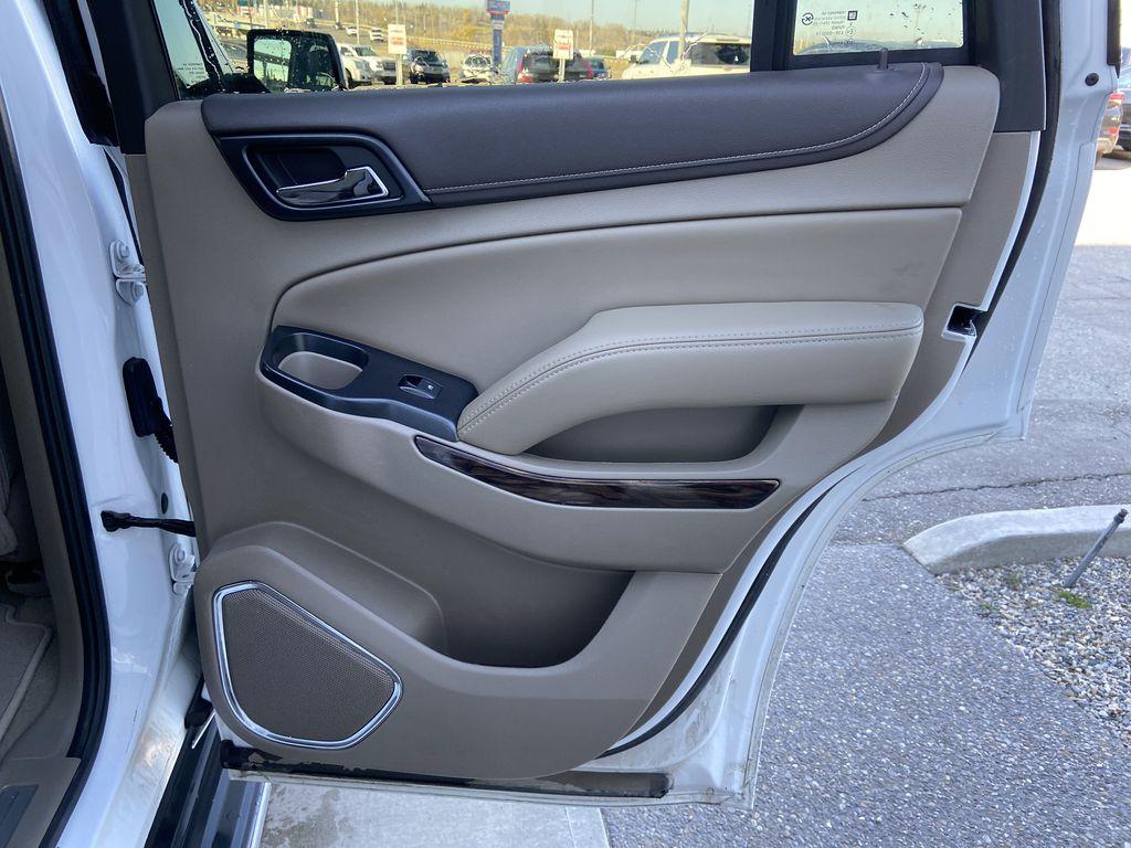 White[Summit White] 2017 GMC Yukon SLT Right Rear Interior Door Panel Photo in Calgary AB
