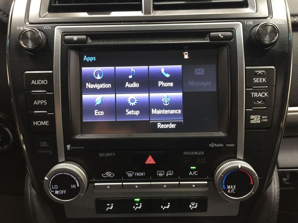 Black[Attitude Black Metallic] 2014 Toyota Camry SE V6 / LOW KMS Infotainment Closeup Photo in Sherwood Park AB